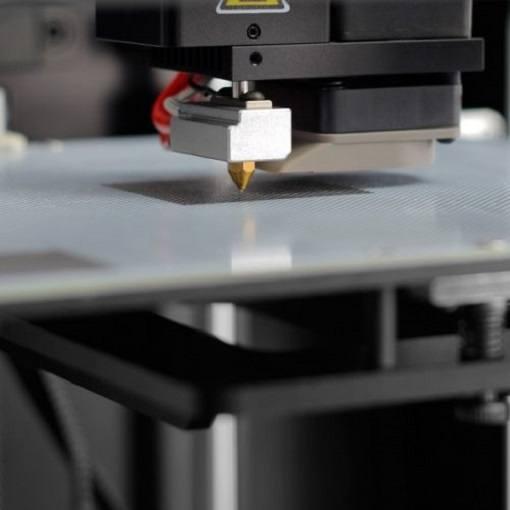 Drukarka 3D Zortrax M200 podczas druku
